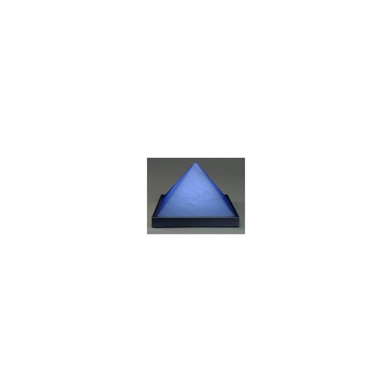 Pyramide (gross) Grundfläche aus Metall